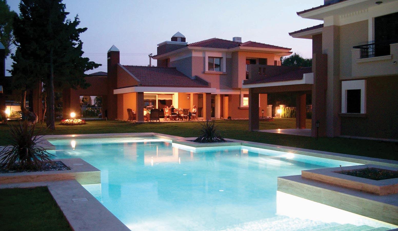 Cyssus Villaları havuz