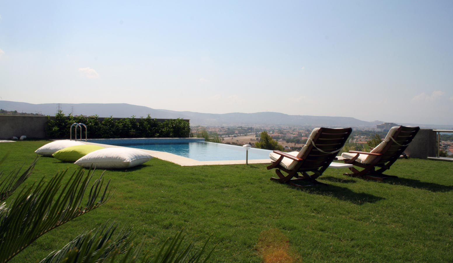 Şahin Tepesi Villaları havuz